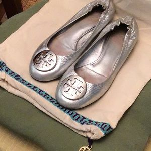 Tory Burch Silver flats with dust bag